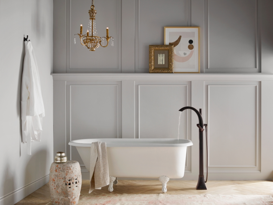 new bathtub for bathroom remodeling services
